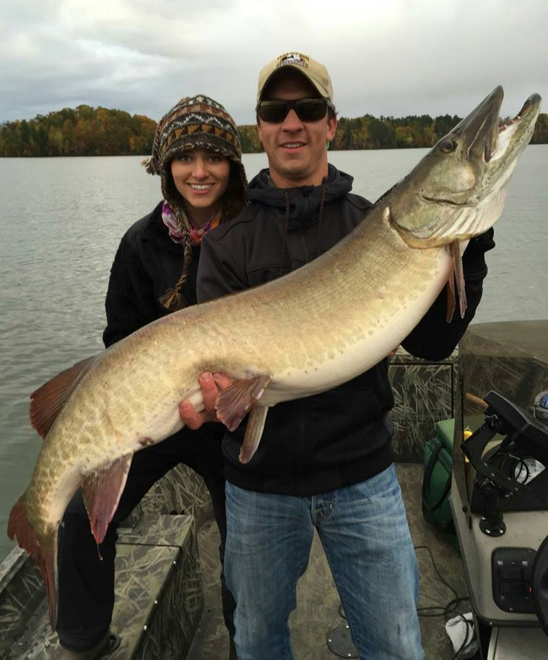 71a wdh guide service for Muskie fishing wisconsin